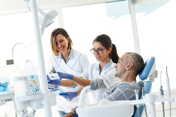 How A Dental Deep Cleaning Treats Periodontal Disease